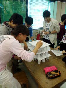 紙タワー作り1